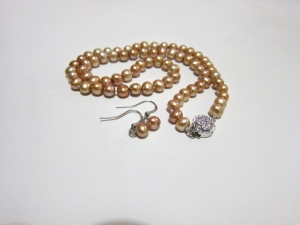 Champagne necklace & drop ear-ring set
